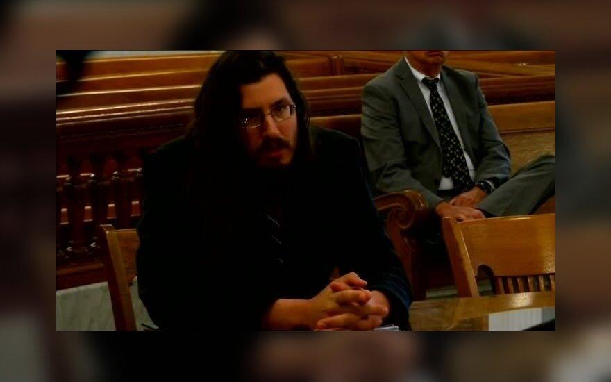 Родители судятся с 30-летним сыном, не желающим съезжать из их дома