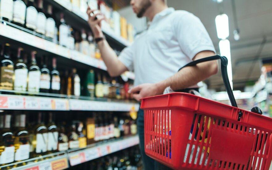 Половина жителей Литвы довольна ограничениями на торговлю алкоголем
