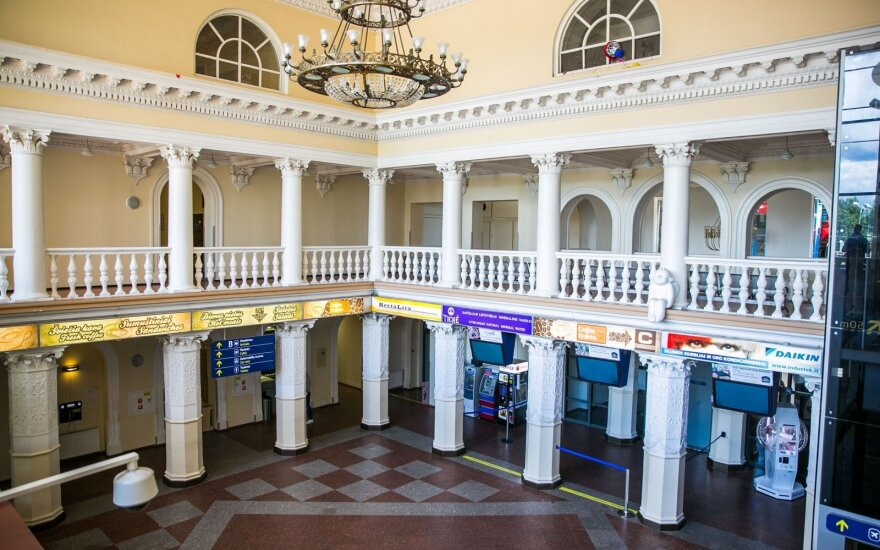 Консерватор просит исключить здание аэропорта из списка объектов культурного наследия