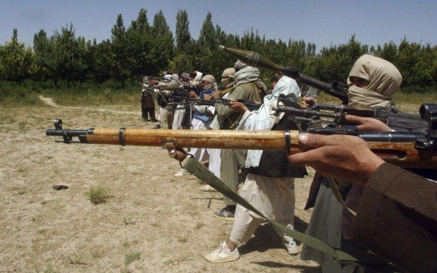 """СМИ США: поставляет ли Россия оружие """"Талибану"""" в Афганистане"""
