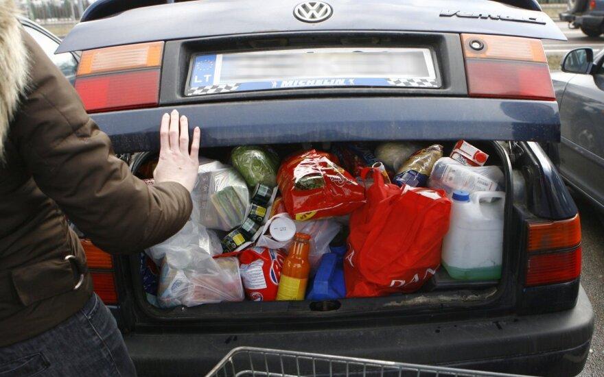 Мэр Лаздияй призывает жителей не ездить за покупками в Польшу