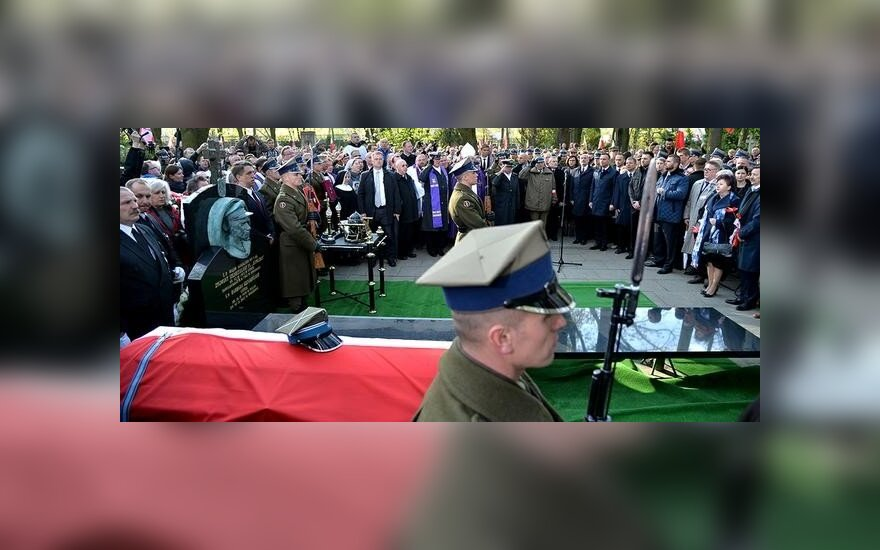 """Pogrzeb płk. Zygmunta Szendzielarza""""Łupaszki"""". Fot. ppor. Robert Suchy/CO MON"""
