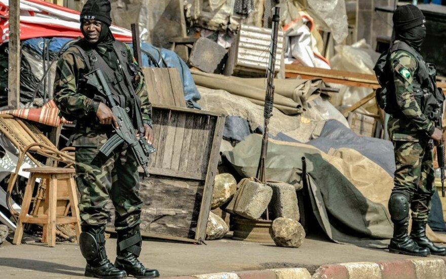 Солдаты правительственной армии Камеруна