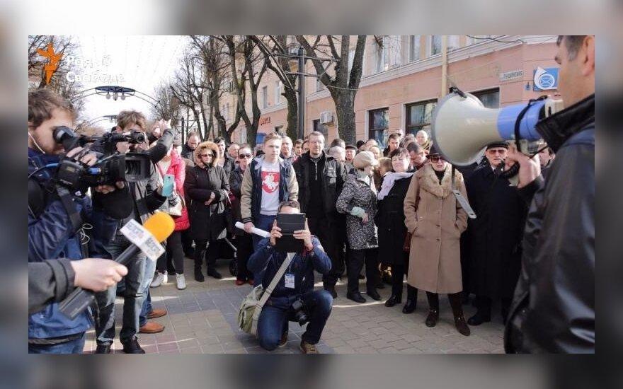 """В Беларуси продолжаются протесты: """"Марш нетунеядцев"""" прошел в Бресте"""