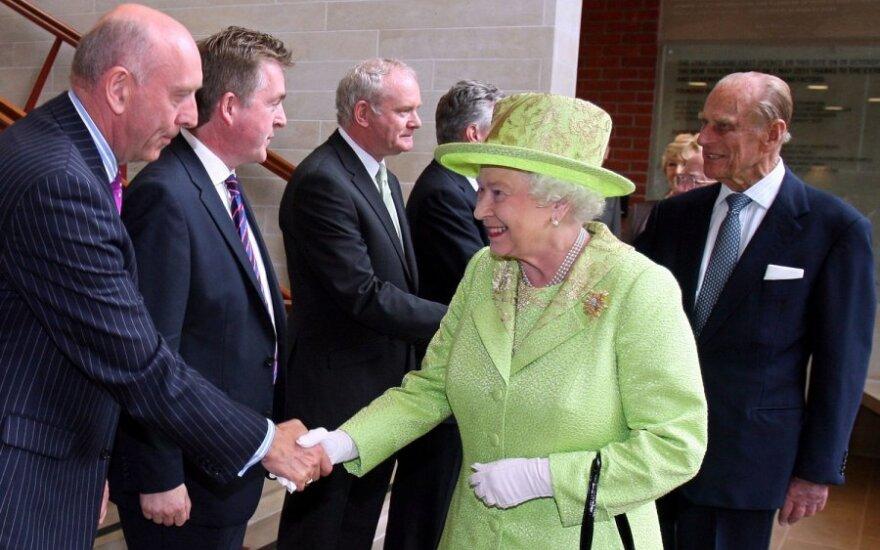 Королева Британии встретилась с бывшим лидером ИРА