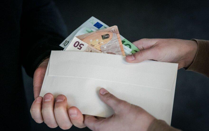 Гражданин России предложил латвийскому полицейскому взятку в размере 1 млн. евро