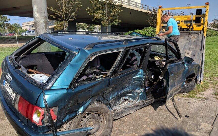 В Вильнюсе 5 человек пострадали в автомобильной аварии