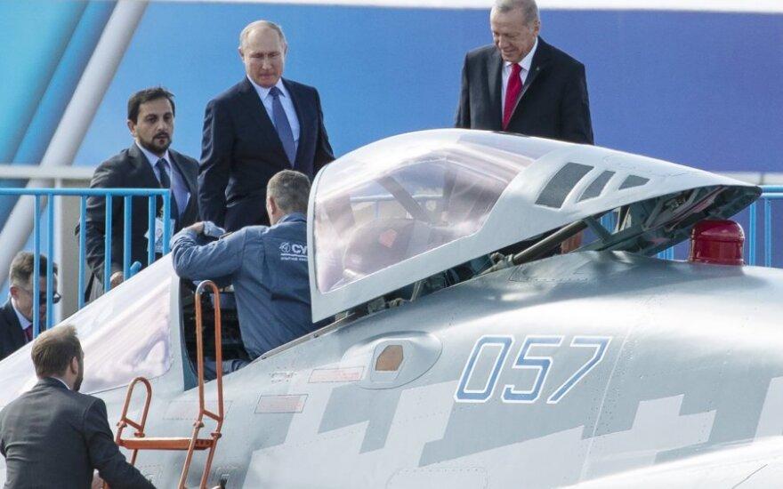 Vladimiras Putinas siūlo Recepui Tayyipui Erdoganui įsigyti Su-57