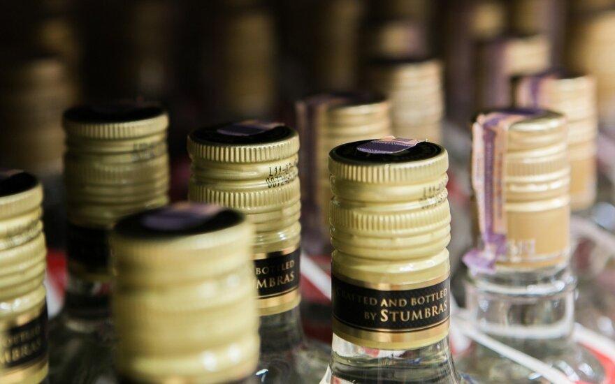 В Литве выявлена нелегальная фабрика алкоголя