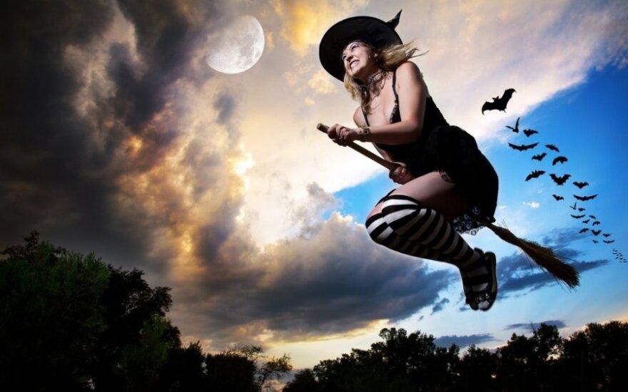 Украинцы пожаловались на шабаши голых ведьм