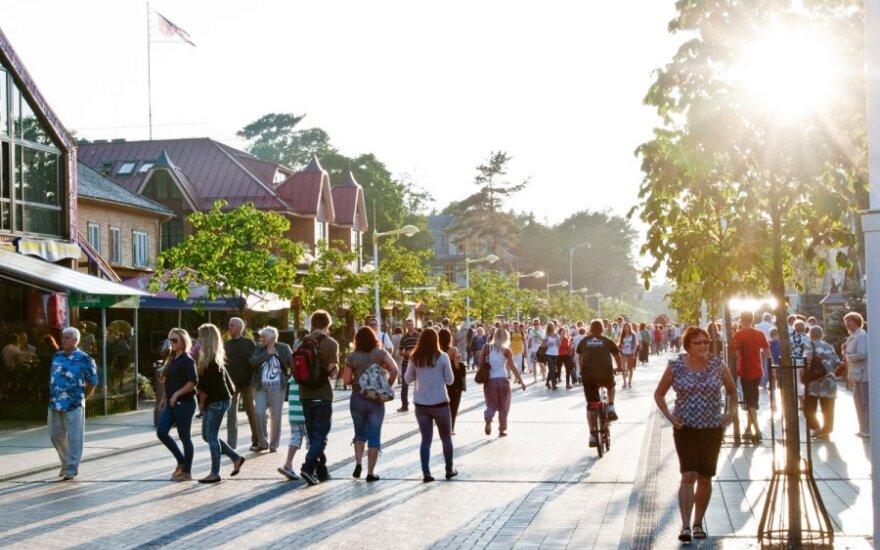 В Паланге – почти полмиллиона отдыхающих, ожидается еще больше