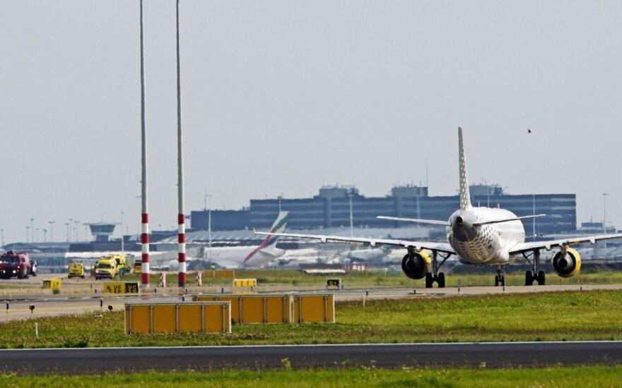 Amsterdamo Schipholio oro uoste buvo kilusi sumaištis dėl neva užgrobto lėktuvo