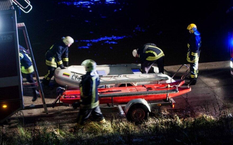 В Вильнюсе две девушки утопили в Нерис автомобиль