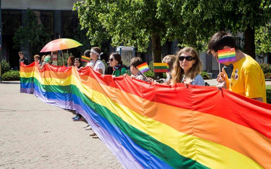 Опрос: как жители Литвы относятся к однополым бракам