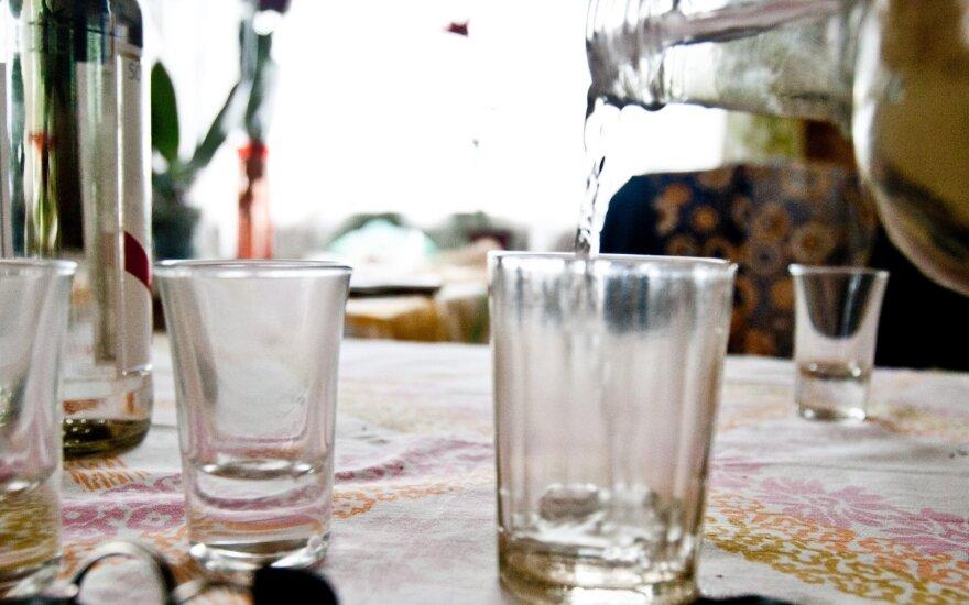 Новые данные об употреблении алкоголя в Литве: в группе до 30 лет количество пьющих увеличилось в два раза