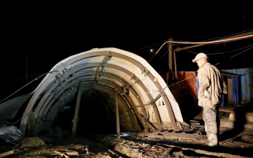 Rytų Ukrainoje per sprogimą kasykloje žuvo mažiausiai trys darbininkai