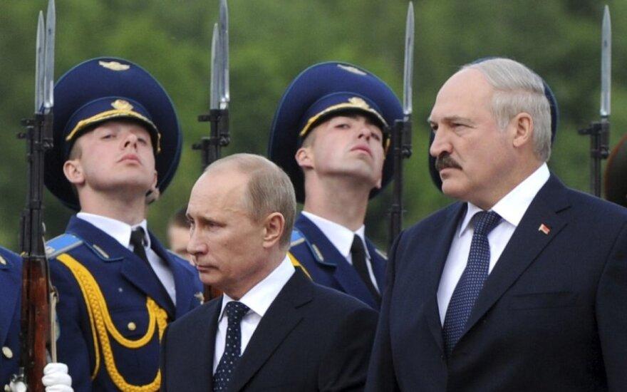 Москва вряд ли надумала свалить Лукашенко, но давить будет сильно