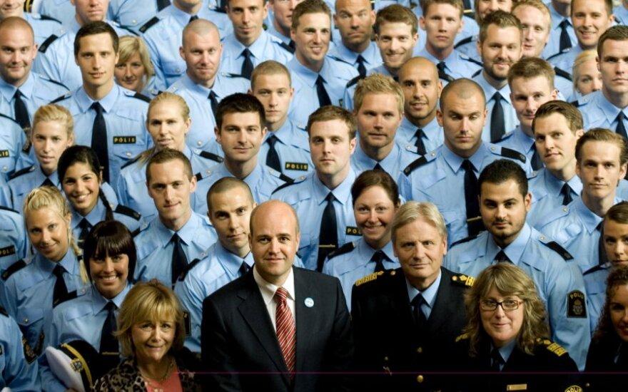 Шведских полицейских научат вежливо общаться по-арабски