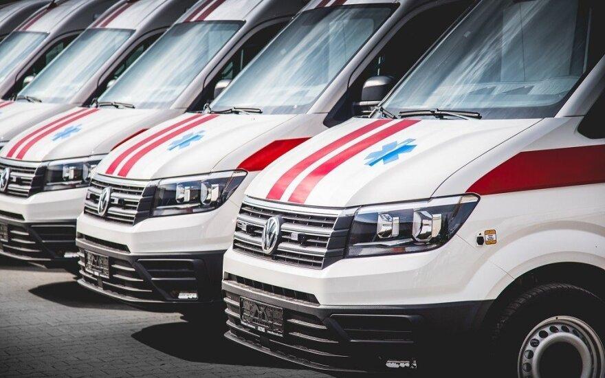 Литовский муниципалитет подарил больнице в Украине автомобиль скорой помощи