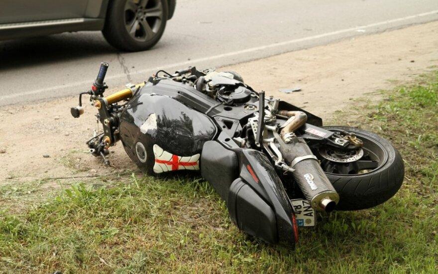 В Гарляве мотоциклист врезался в тягач