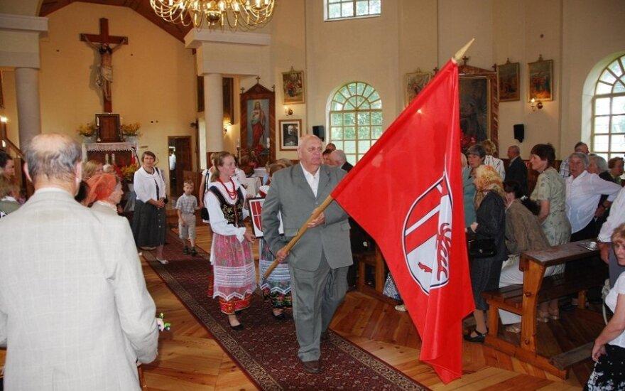 Uroczyste wyświęcenie herbu i sztandaru Bujwidz, fot. samorząd rejonu wileńskiego