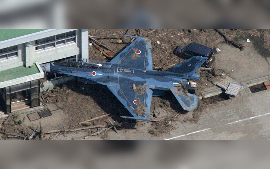Japonija po cunamio ir žemės drebėjimo. Nuotraukos iš lėktuvo.