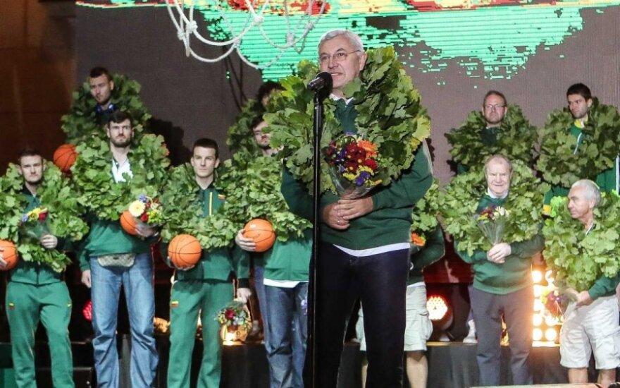 Литовских баскетболистов в Вильнюсе встречала тысячная толпа болельщиков