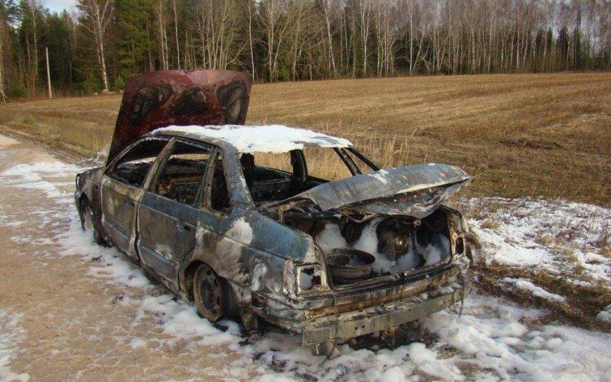 Подросток угнал и сжег автомобиль