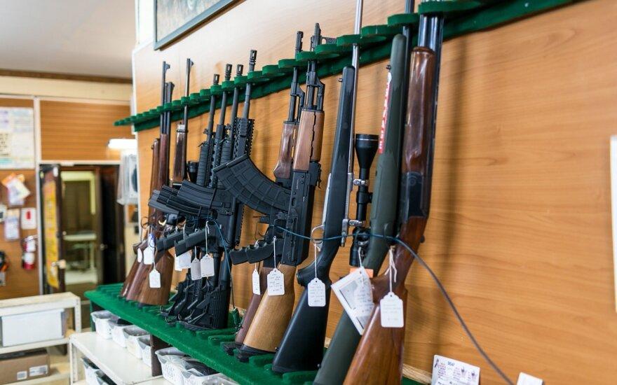 Депутат Сейма Литвы предложил налоговую льготу на покупку оружия для добровольцев