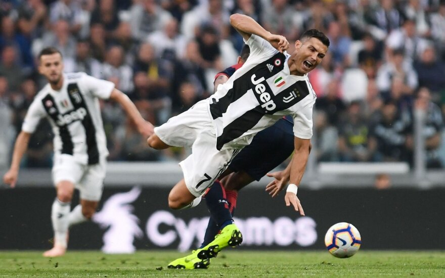Роналду забил 400-й гол в чемпионатах Англии, Испании и Италии