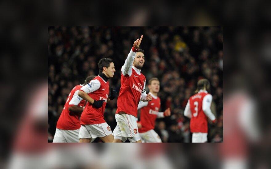 """Cescas Fabregasas ir """"Arsenal"""" žaidėjai"""