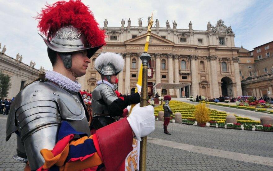 Šv. Petro bazilikoje Vatikane vyko tradicinės Velykų mišios.