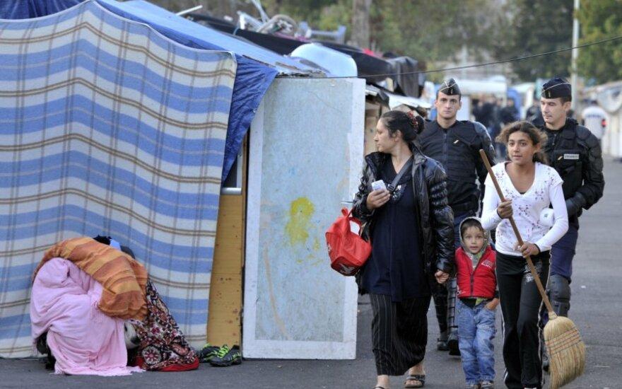 Prancūzijos policija iškeldina romus iš stovyklos