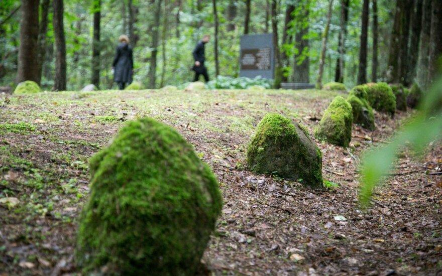 В День геноцида евреев предлагают почтить их память в Науянеряй