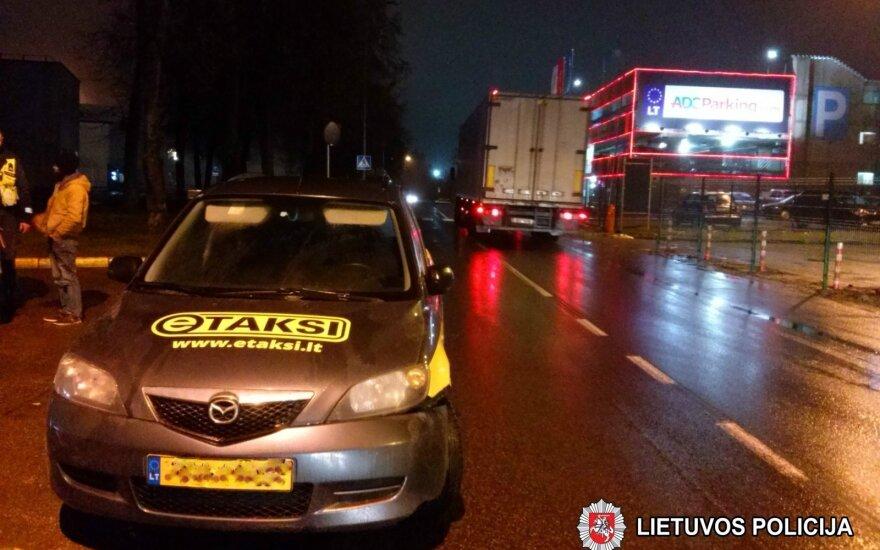 Около Вильнюсского аэропорта задержан пьяный таксист