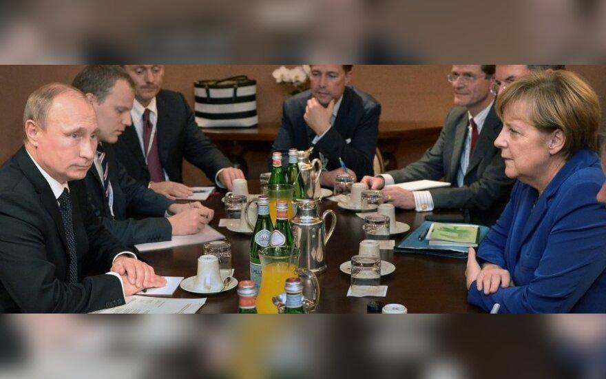 Putin przybył na robocze śniadanie z udziałem liderów UE i Poroszenki