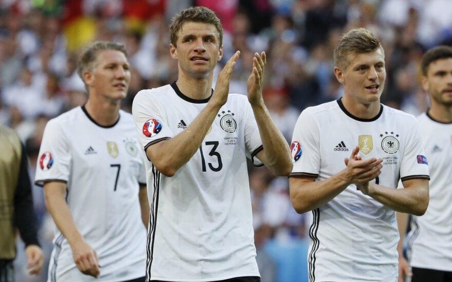 Евро-2016: сборная Германии не имела проблем со словаками