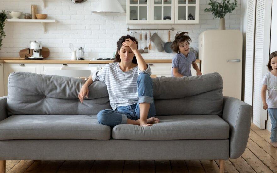 Результаты пандемии: больше людей с повышенной тревожностью и жертв домашнего насилия