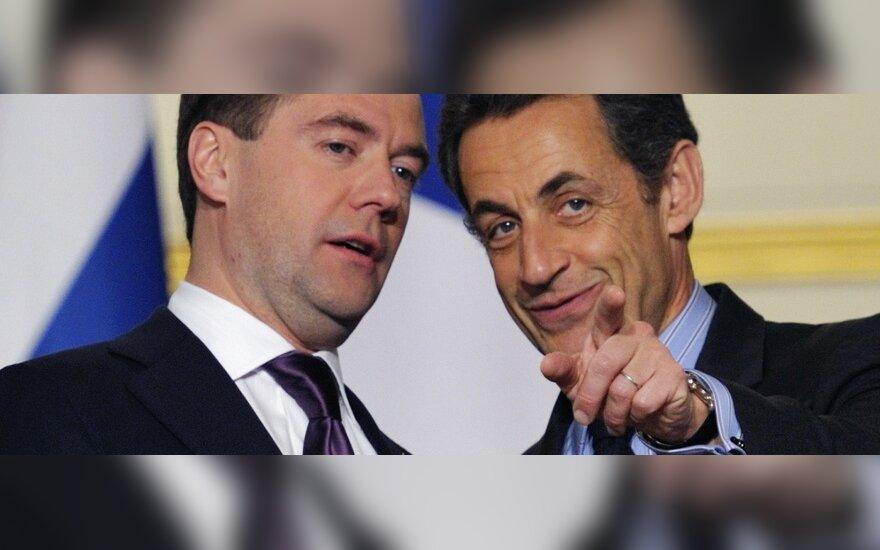 Dmitrijus Medvedevas ir Nicolas Sarkozy