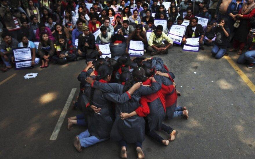 Девушку в Индии изнасиловали по приказу старейшин