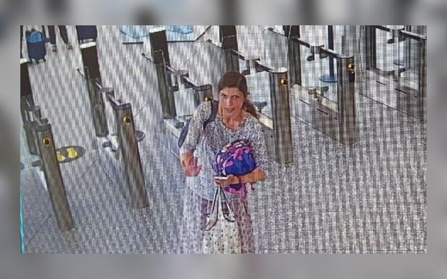 Без вести пропала гражданка Литвы с ребенком, улетевшая из Англии в Испанию