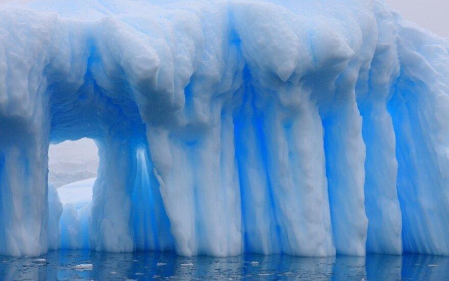 Na Antarktydzie wystąpiło z brzegów podziemne jezioro