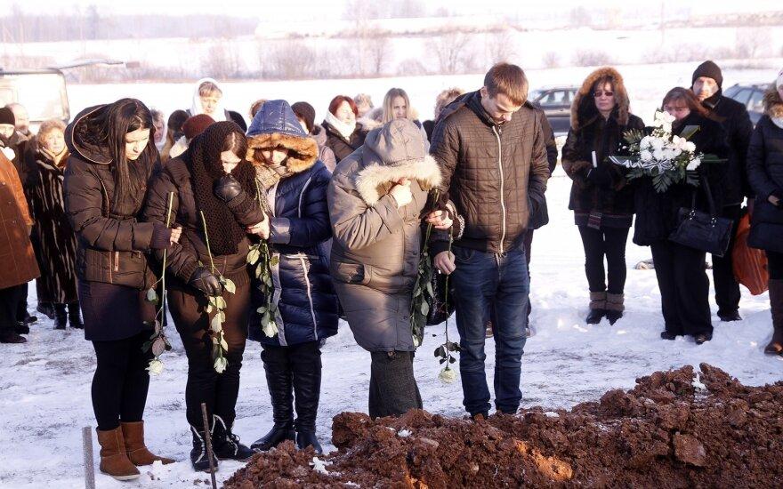 Panoteriai atsisveikina su žiauriai nužudytais vaikais
