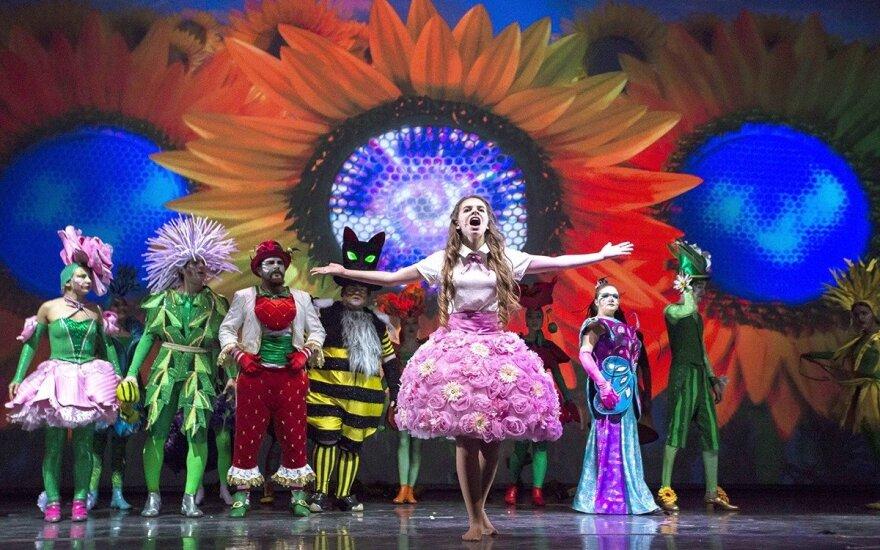 """В Литве покажут семейный 3D мюзикл """"Алиса в стране чудес"""""""