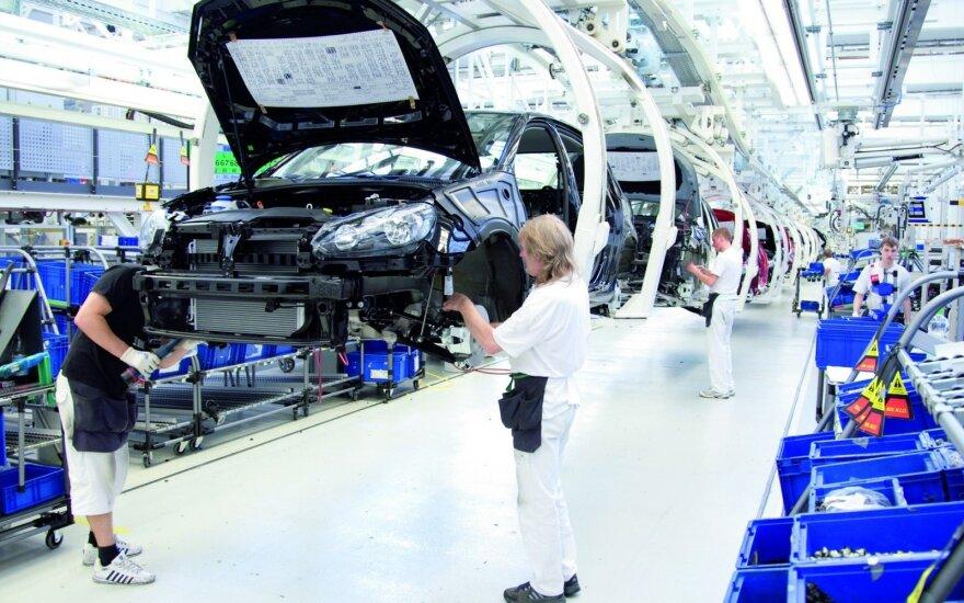 """Рост продаж новых автомобилей в Литве """"сотрясaет"""" ЕС"""
