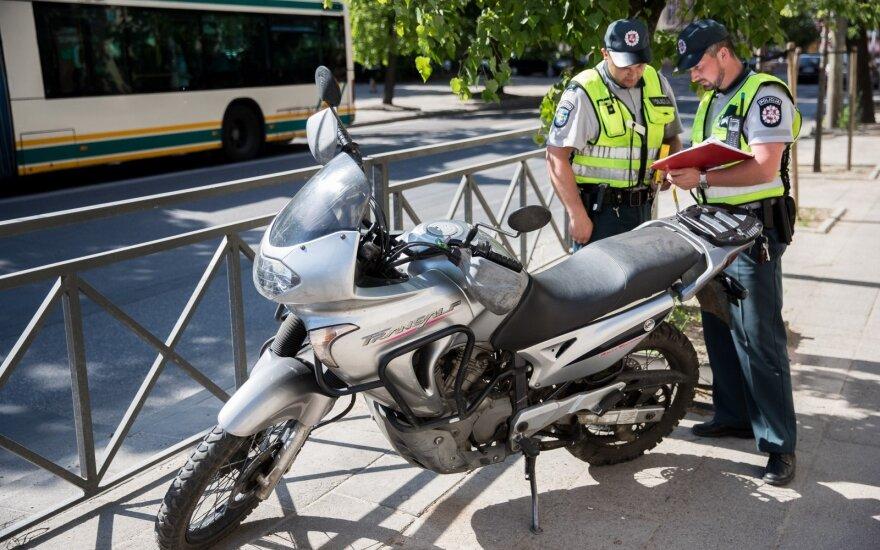 В Вильнюсе мотоцикл сбил девушку-пешехода