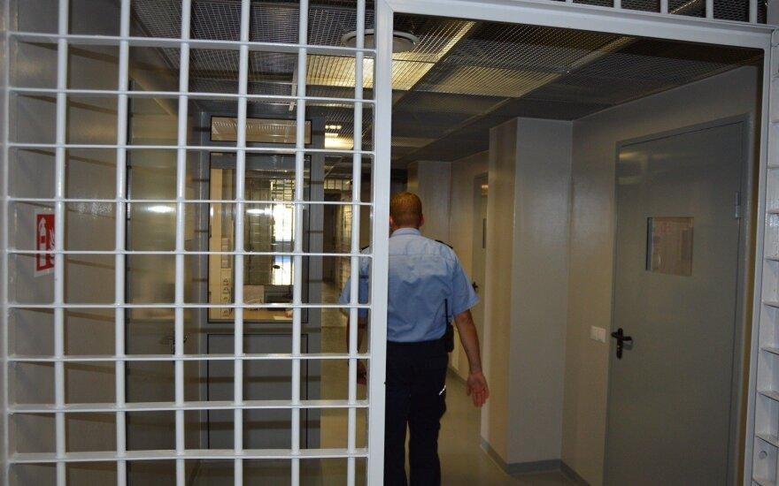 В Правенишкес 300 заключенных отказались от завтрака, протестуя против ужесточения условий