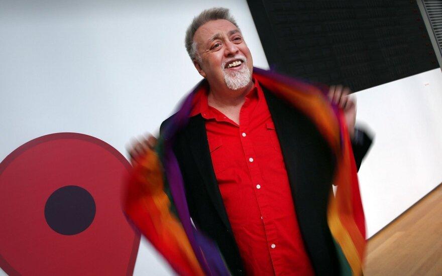 Умер активист, придумавший радужный флаг ЛГБТ
