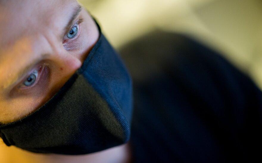 В Литве отменено требование не впускать в учебные учреждения людей с температурой