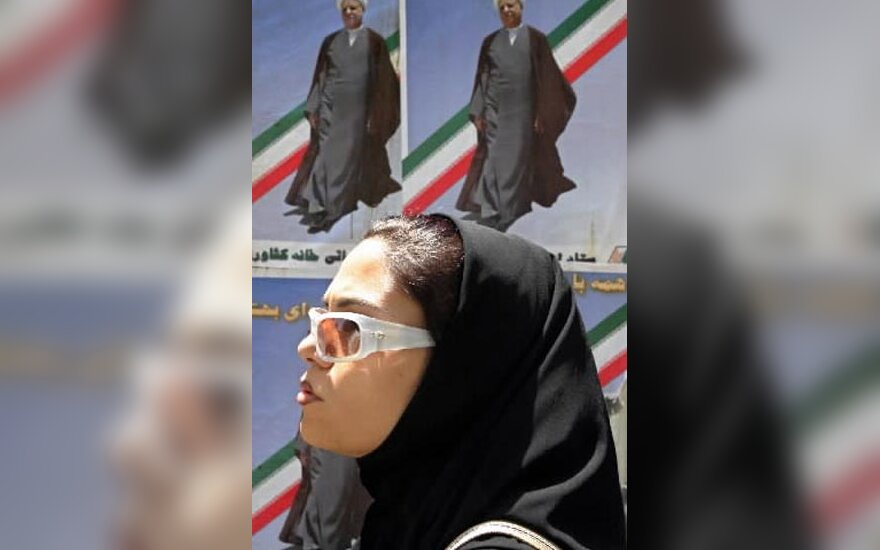 Iranietė penktadieninių pamaldų metu Teherane